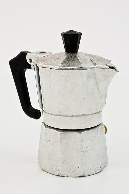 450px-Espressokanne_im_Lichtzelt